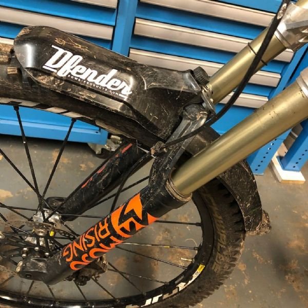 DFender Mudguard inc Clamp